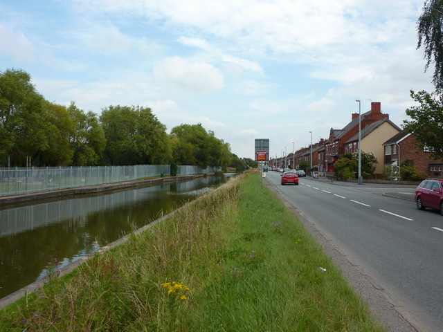 Trent & Mersey Canal and Booth Lane, Middlewich