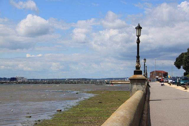 Lilliput pier and sailing club