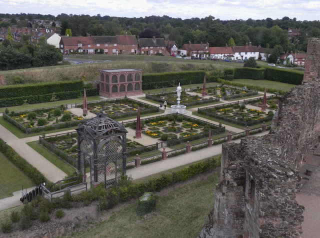 The Elizabethan Garden, Kenilworth Castle