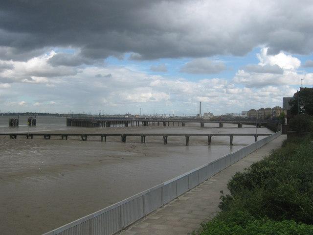 Riverside Walk, Erith