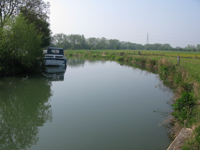 Looking SE along the New Cut at Radcot