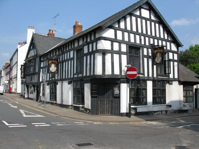 Queens Head Inn on corner of Saint James and Wyebridge Streets