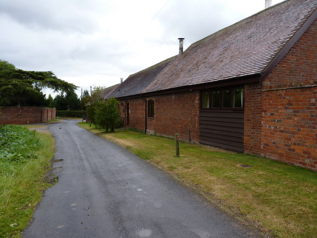Long Barn - Betton Grange Farm