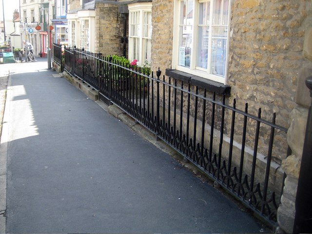 No 3, Buckingham House railings