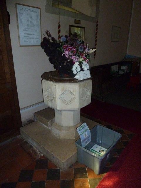 Monxton - St Mary: font