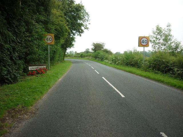 Entering Lingerfield on Low Moor Lane