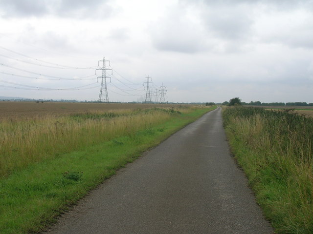 Minor road heading south from Ousefleet