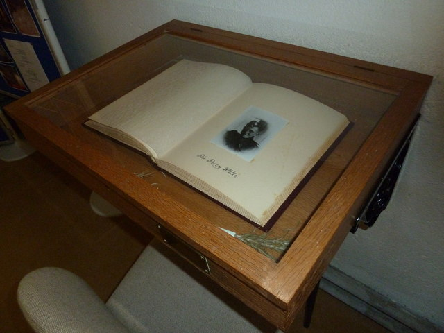 Whitchurch-All Hallows: 1939-45 Book of Remembrance