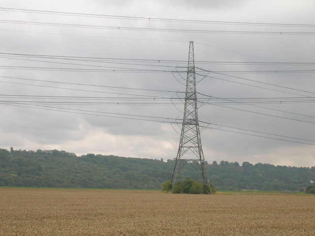 Farmland and pylon near the River Trent
