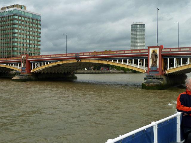 A span of Vauxhall Bridge