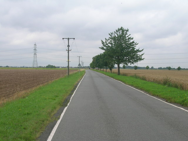 Mere road towards Luddington