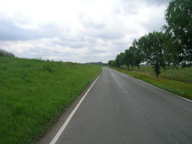 B1392 towards Amcotts