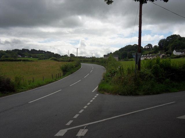 Twll-llwynog junction