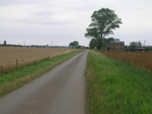 Ox Pasture Lane towards Luddington