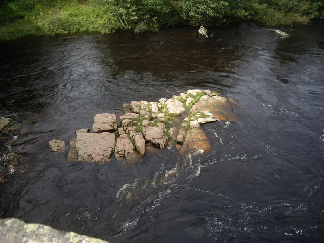 An outcrop in the River Dee