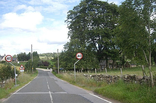 Approach to Marywell on South Deeside Road