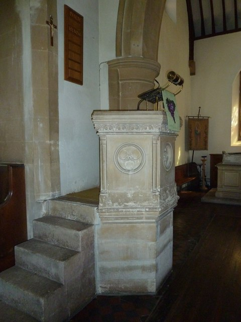 Whitchurch-All Hallows: pulpit