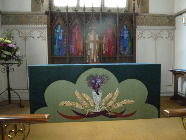 Whitchurch-All Hallows: altar