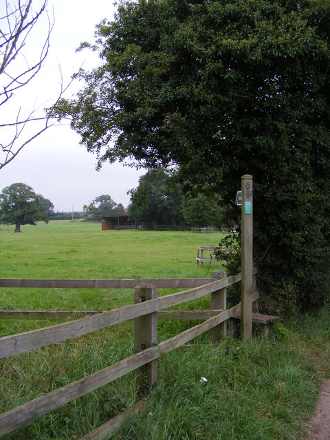 Footpath to Moat Farm & Low Lane