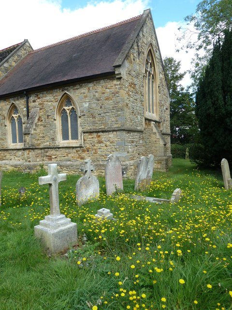 St. John the Baptist, Crawley: churchyard (2)