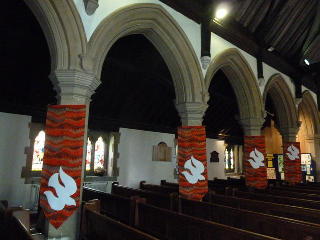 St. John the Baptist, Crawley: pillars
