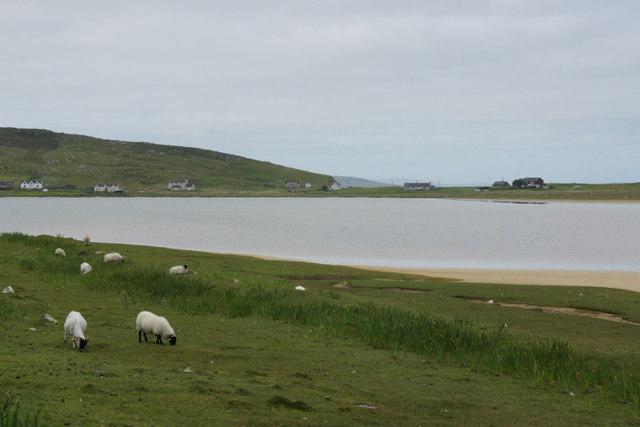 Tidal pond behind Traigh an Taoibh Thuath
