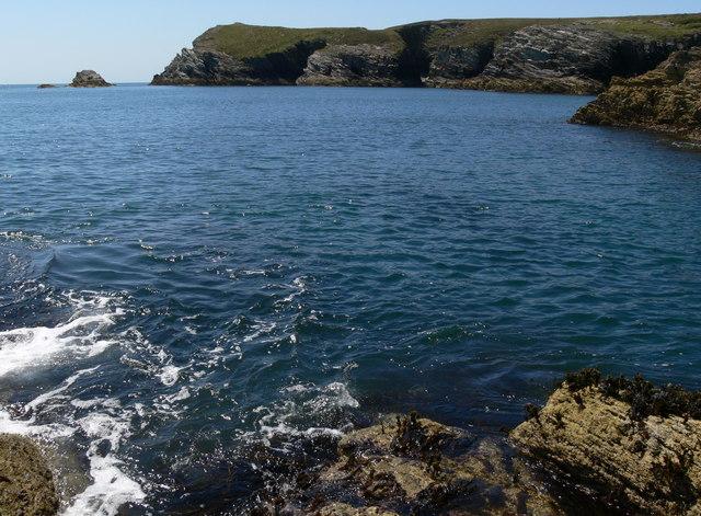 Rugged coastline at Clybyddiad