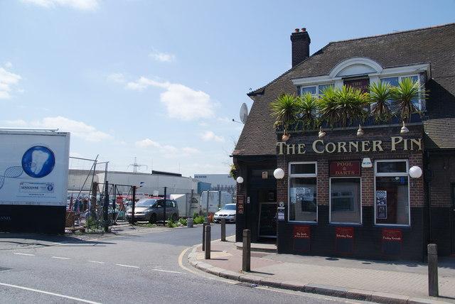 The Corner Pin, Summerstown