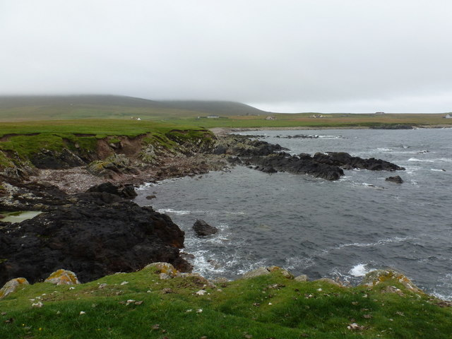 Sandness: rocky shore at Melby