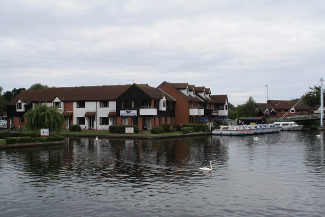 Holiday homes near Wroxham Bridge