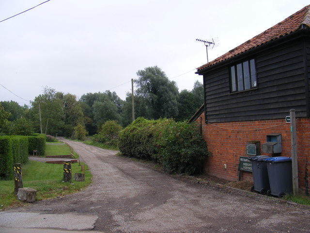 Footpath to Grove Farm & Low Lane