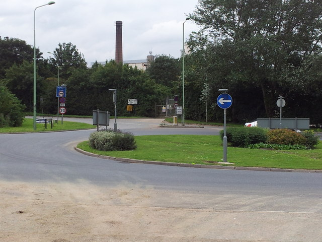 Roundabout at Hollow Road