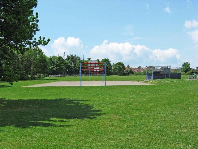 Avisford Park Recreation Ground, Nyetimber Lane, Rose Green