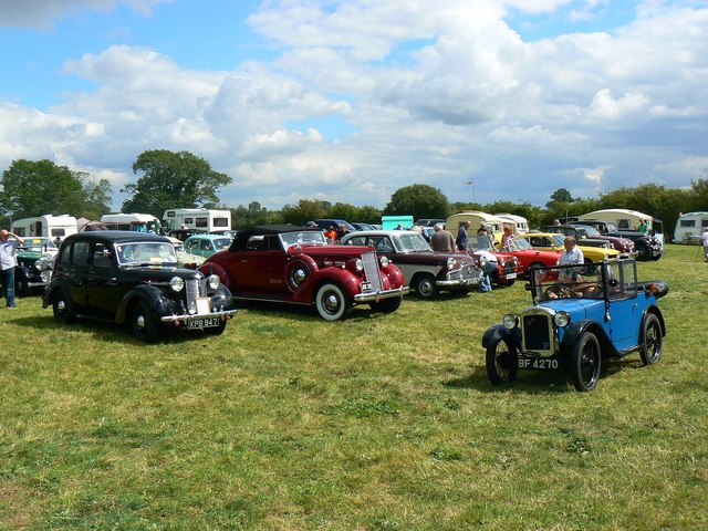 Classic and Vintage cars, Swindon and Cricklade Railway, Blunsdon