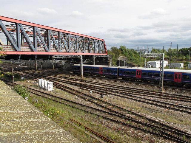 Old Oak Common - West London line bridge