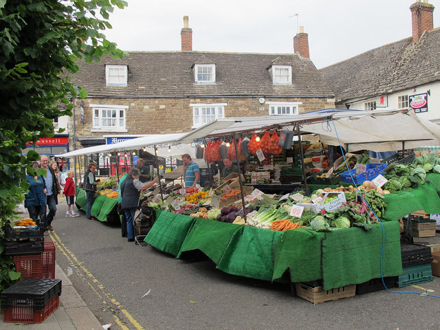 Oakham: market stalls