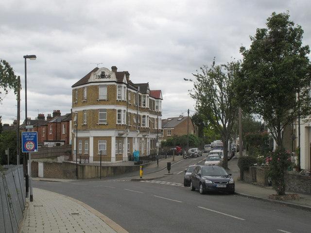 Wells House Road