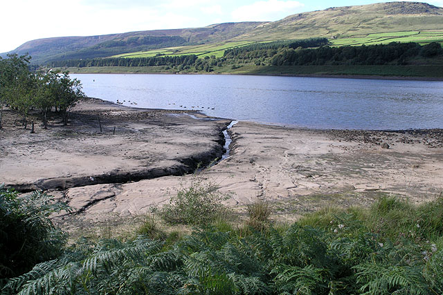 A small Stream enters Torside Reservoir