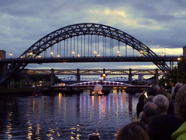 'Showboat', Newcastle Gateshead Bridges Festival