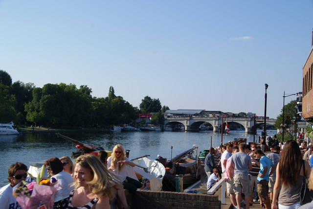 Sunny evening by the Thames in Kingston