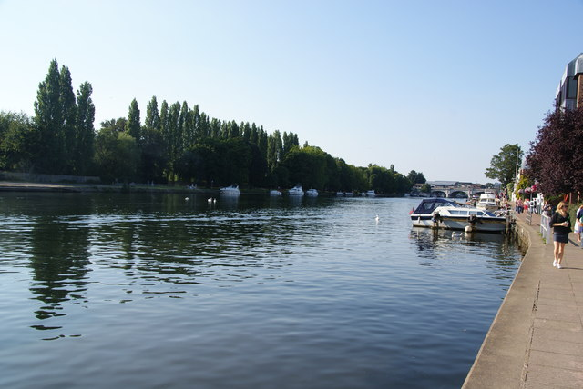 The River Thames by Kingston