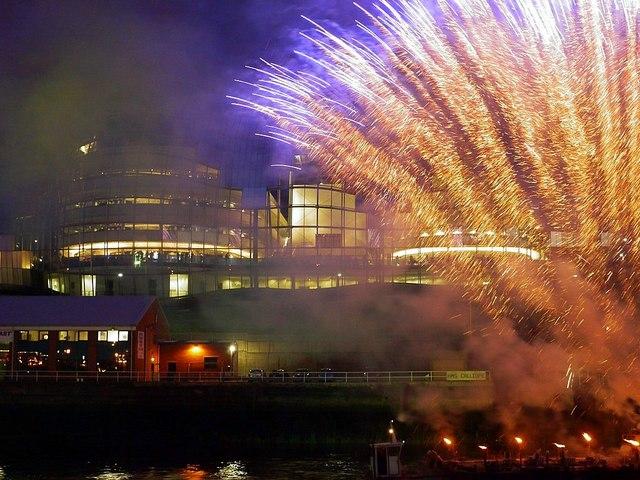 'Showboat', Newcastle Gateshead Bridges Festival