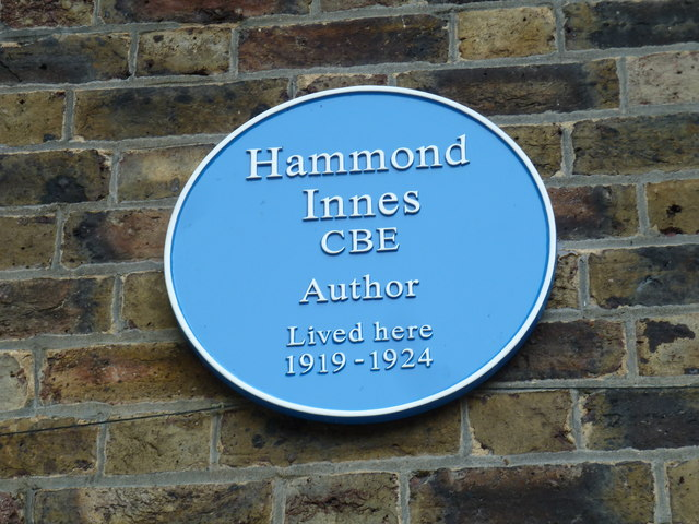 Blue plaque in The Causeway