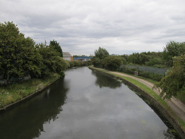 Grand Union Canal, view East from footbridge to Hythe Road