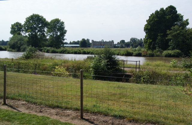 The Thames Path and Syon House from the Royal Botanic Gardens