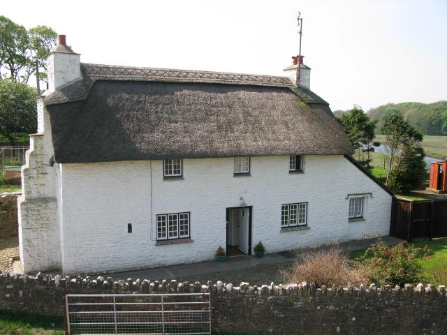 Cottage overlooking Ogmore Castle