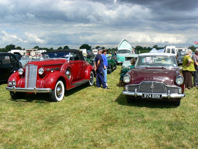 Pre- and post-war classic cars, Swindon and Cricklade Railway, Blunsdon