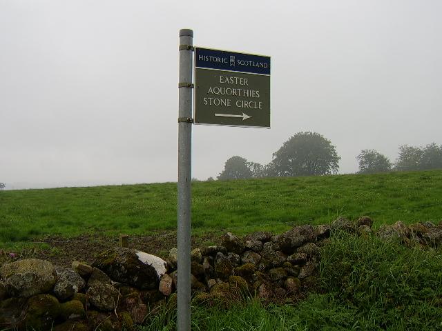 Easter Aquorthies Stone Circle signpost