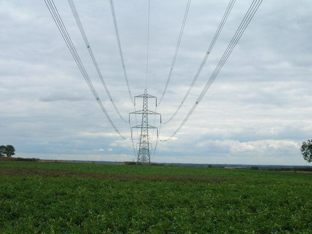 Farmland and pylons, Apy Hill Lane