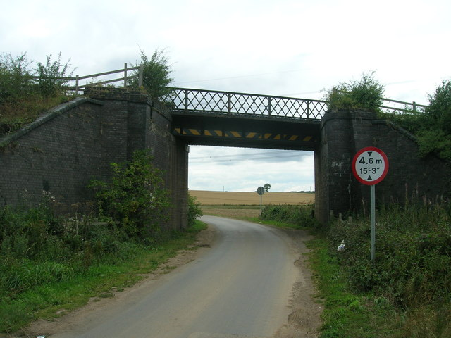 Railway bridge over Wilsic Lane